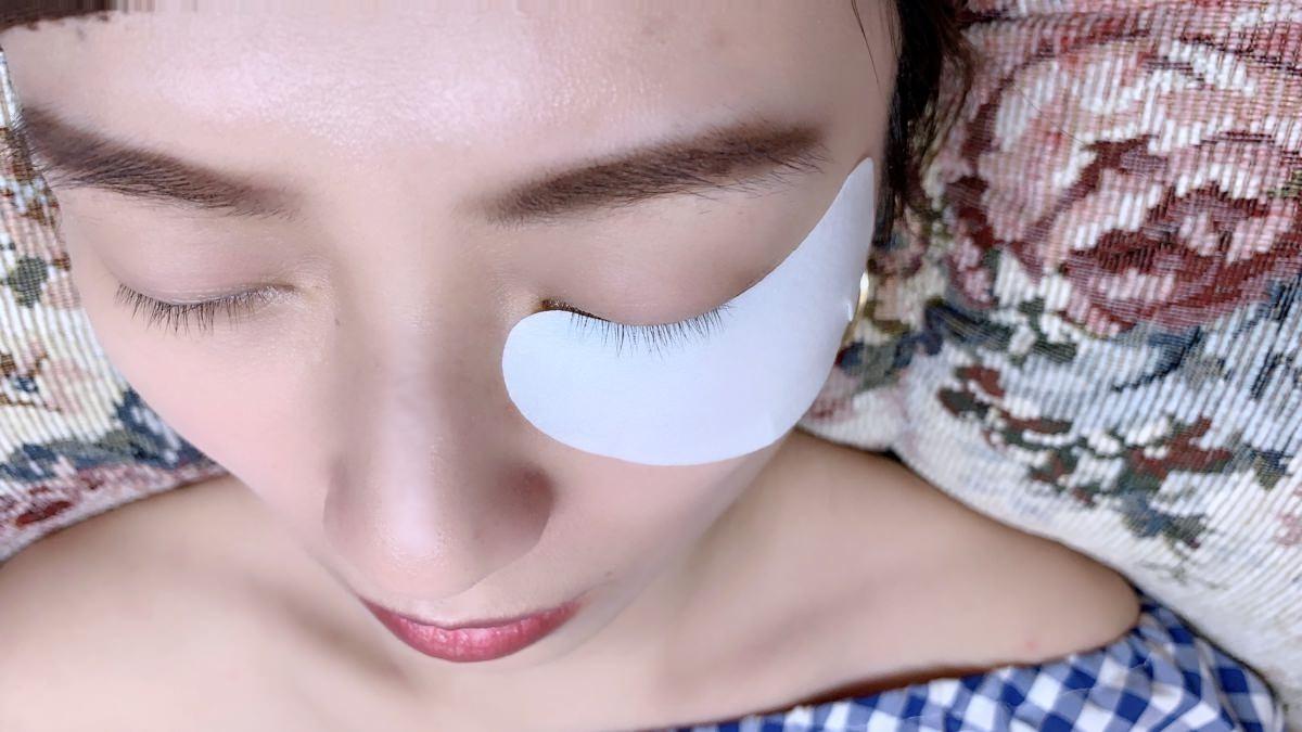日式3D無感接睫毛眼周保養的服務-劈腿女孩Yaya IA專業美睫設計